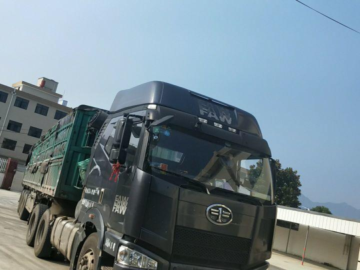 一汽解放J6 牵引车  350匹 2012年09月 6x4