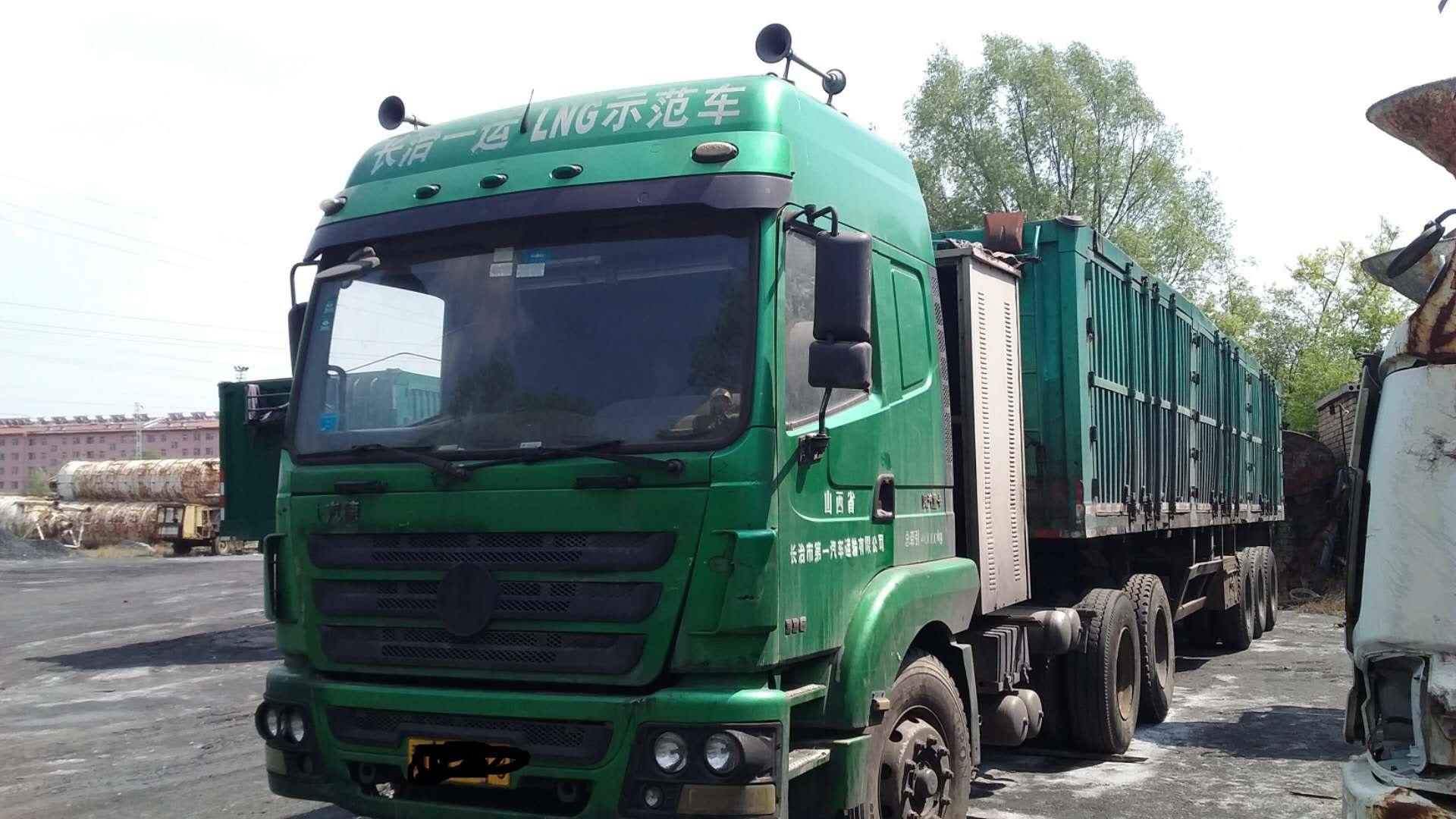 陕汽德龙M3000 牵引车  336匹 2012年06月 6x4
