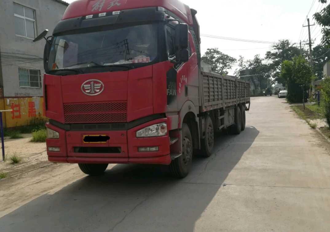 一汽解放J6P重卡 载货车  310匹 2014年03月 8x4