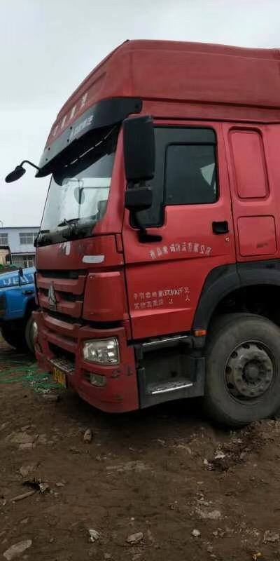 中國重汽HOWO 牽引車  375匹 2014年07月 6x4