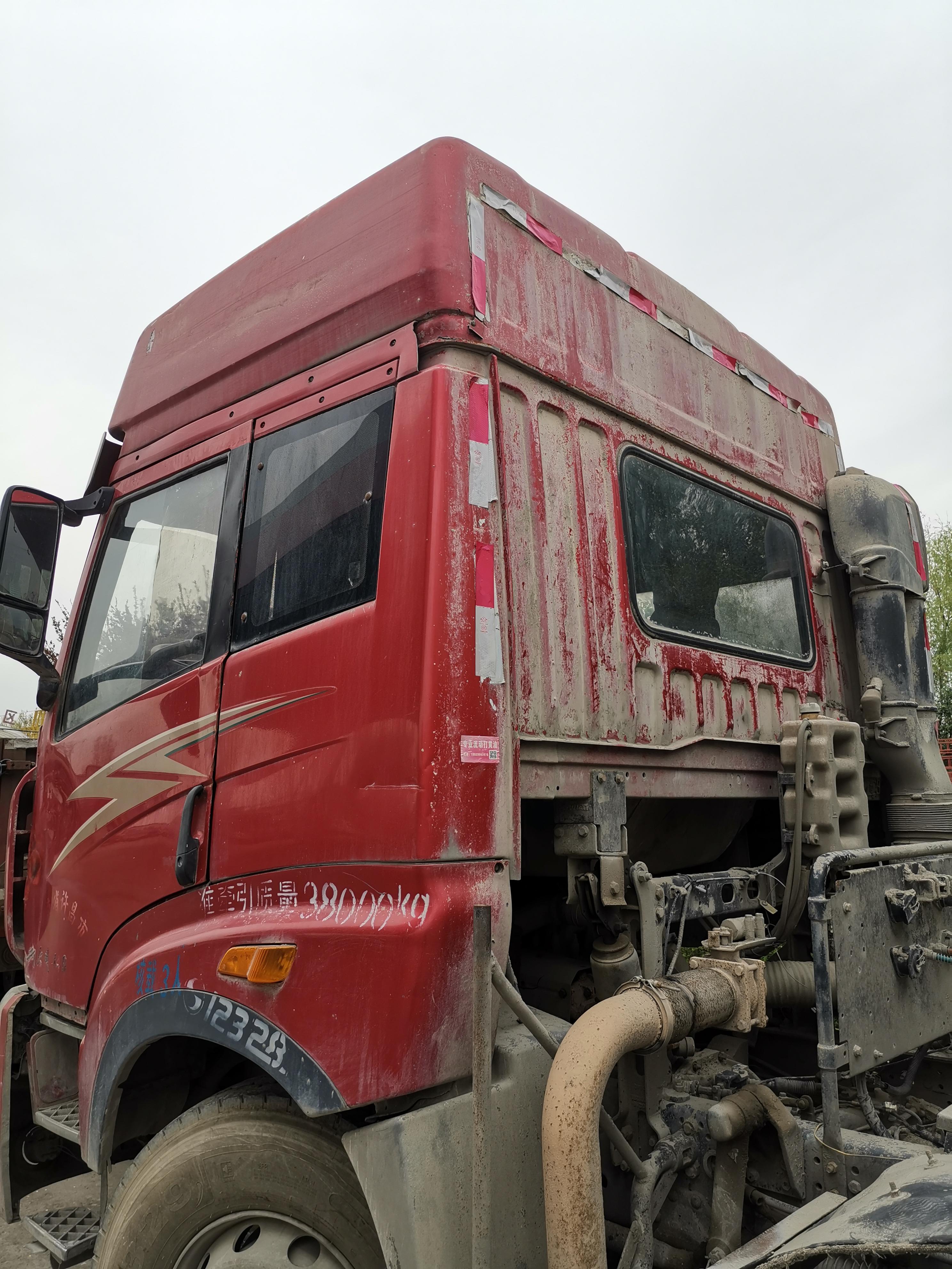 青島解放新大威 牽引車  420匹 2012年10月 6x2