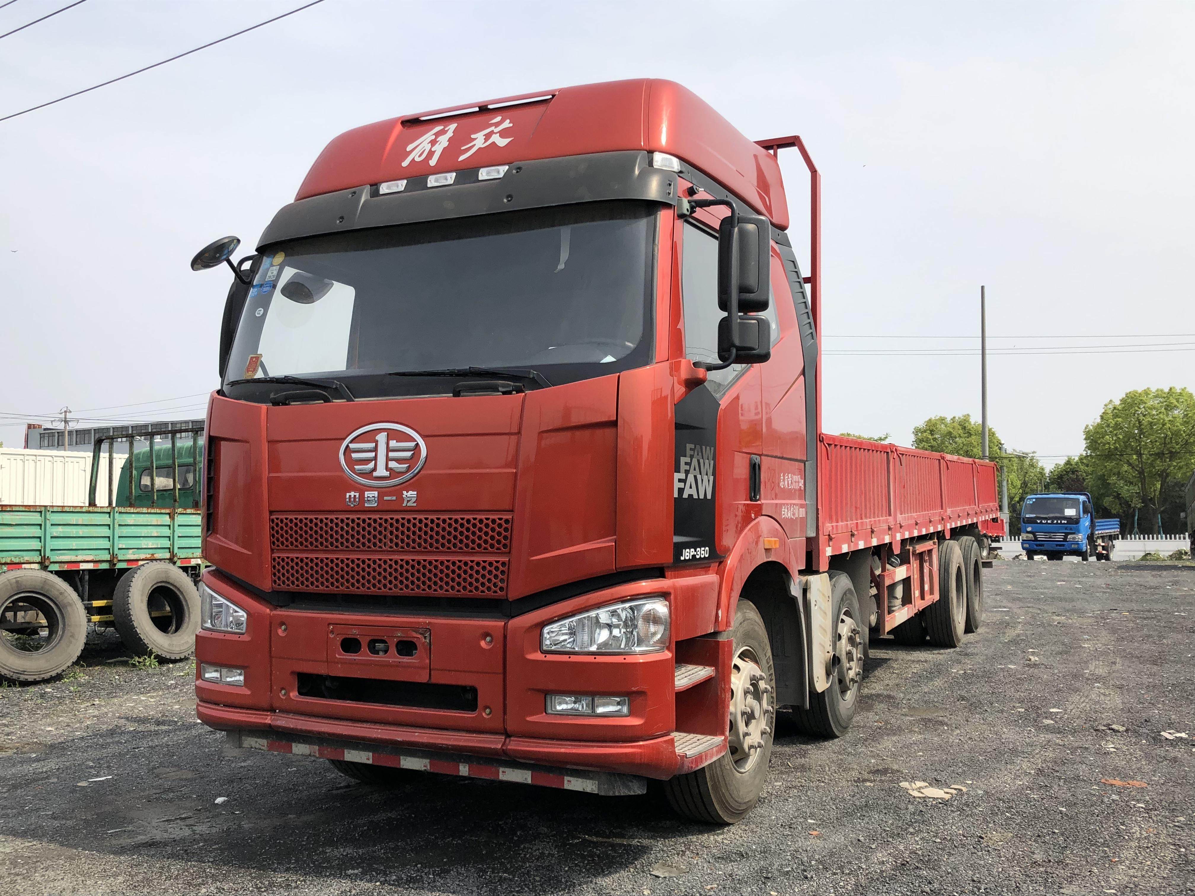 一汽解放J6P重卡 載貨車  350匹 2017年08月 8x4