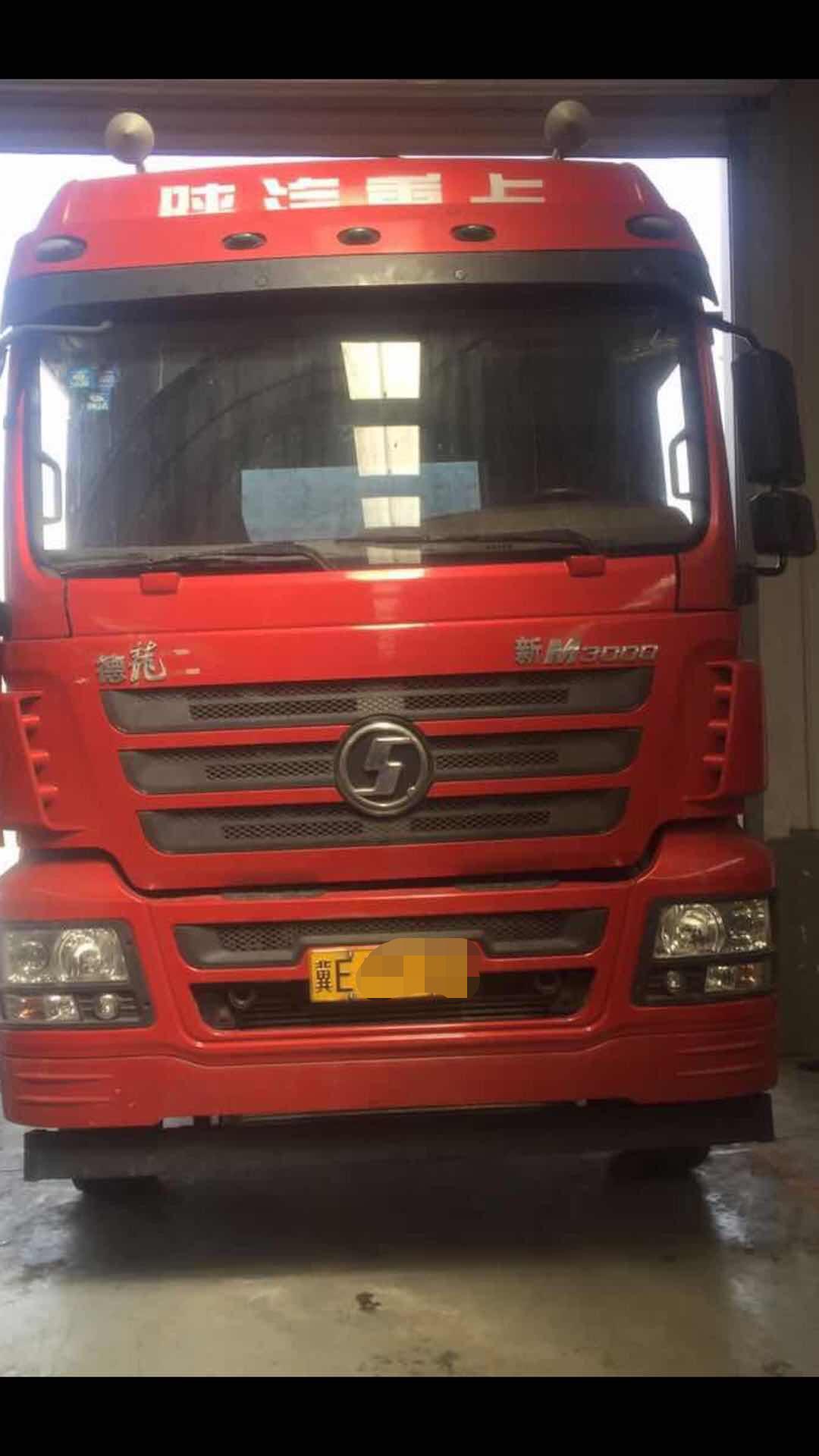 陕汽德龙新M3000 牵引车  400匹 2017年07月 6x4