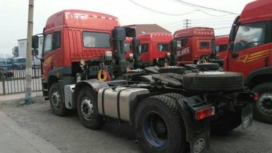 青島解放悍V 牽引車  350匹 2014年05月 6x2