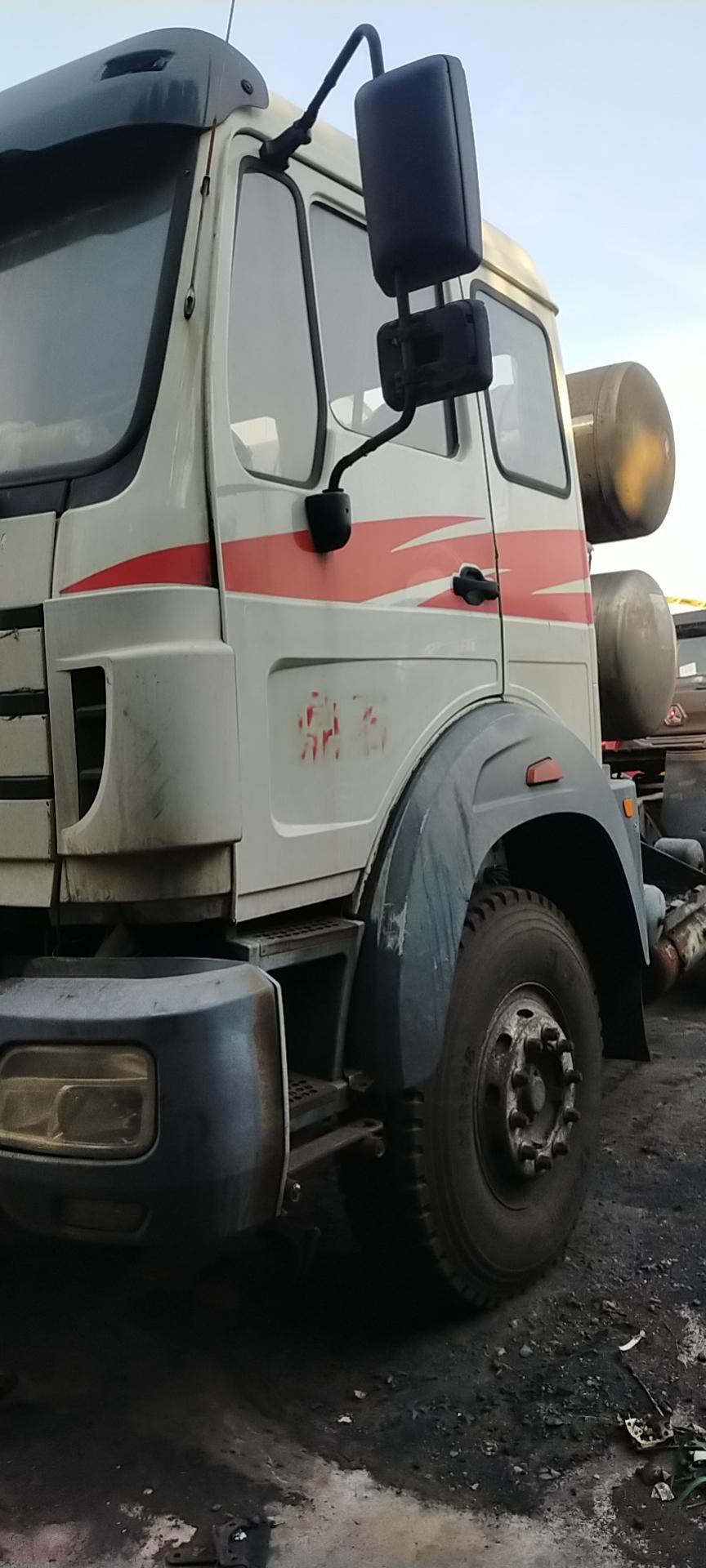北奔V3 牵引车  380匹 2013年01月 6x2