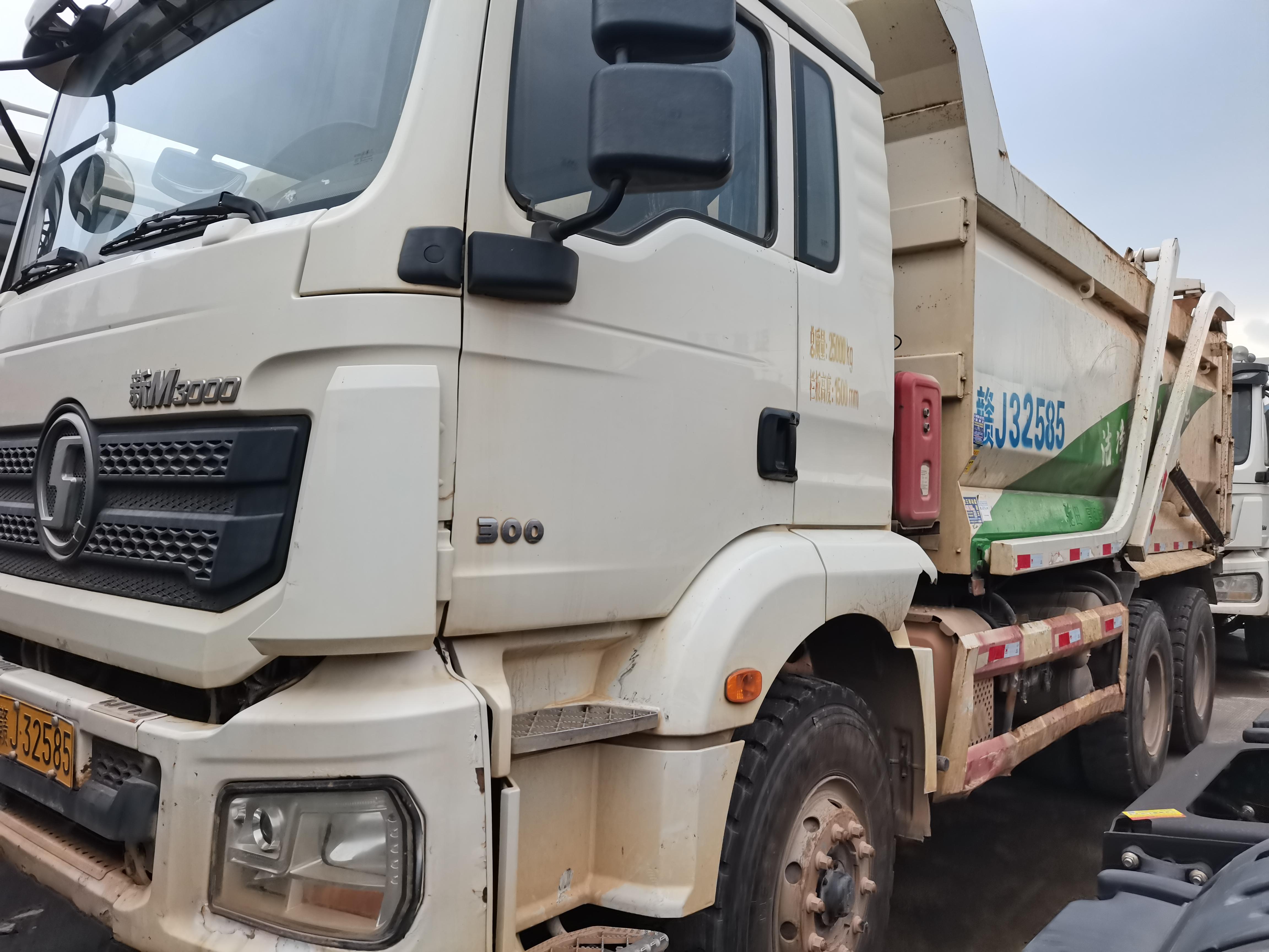 陕汽德龙M3000 自卸车  300匹 2017年09月 6x4