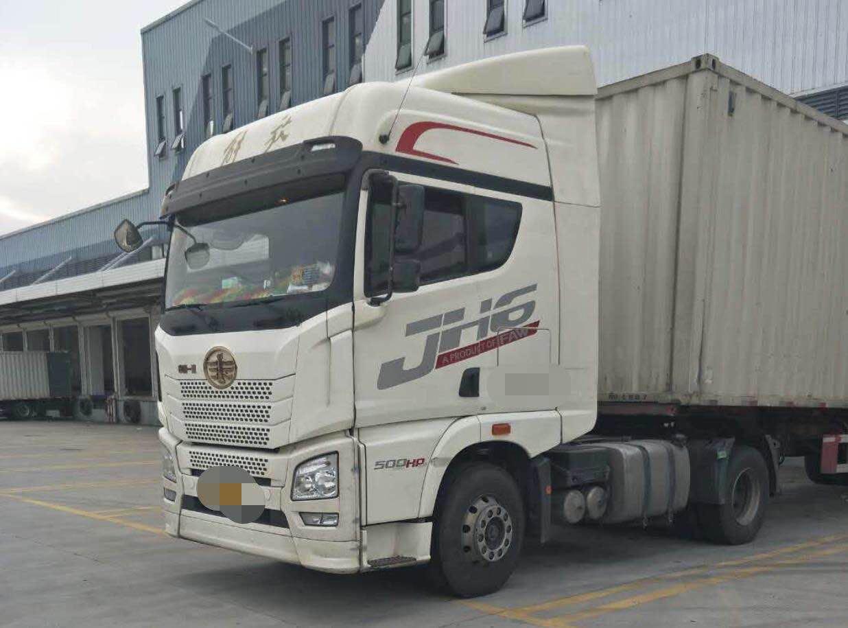 青岛解放JH6 牵引车  500匹 2017年04月 4x2