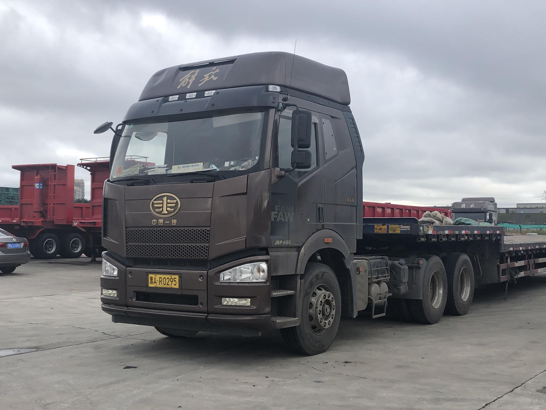 一汽解放J6 牵引车  550匹 2018年12月 6x4