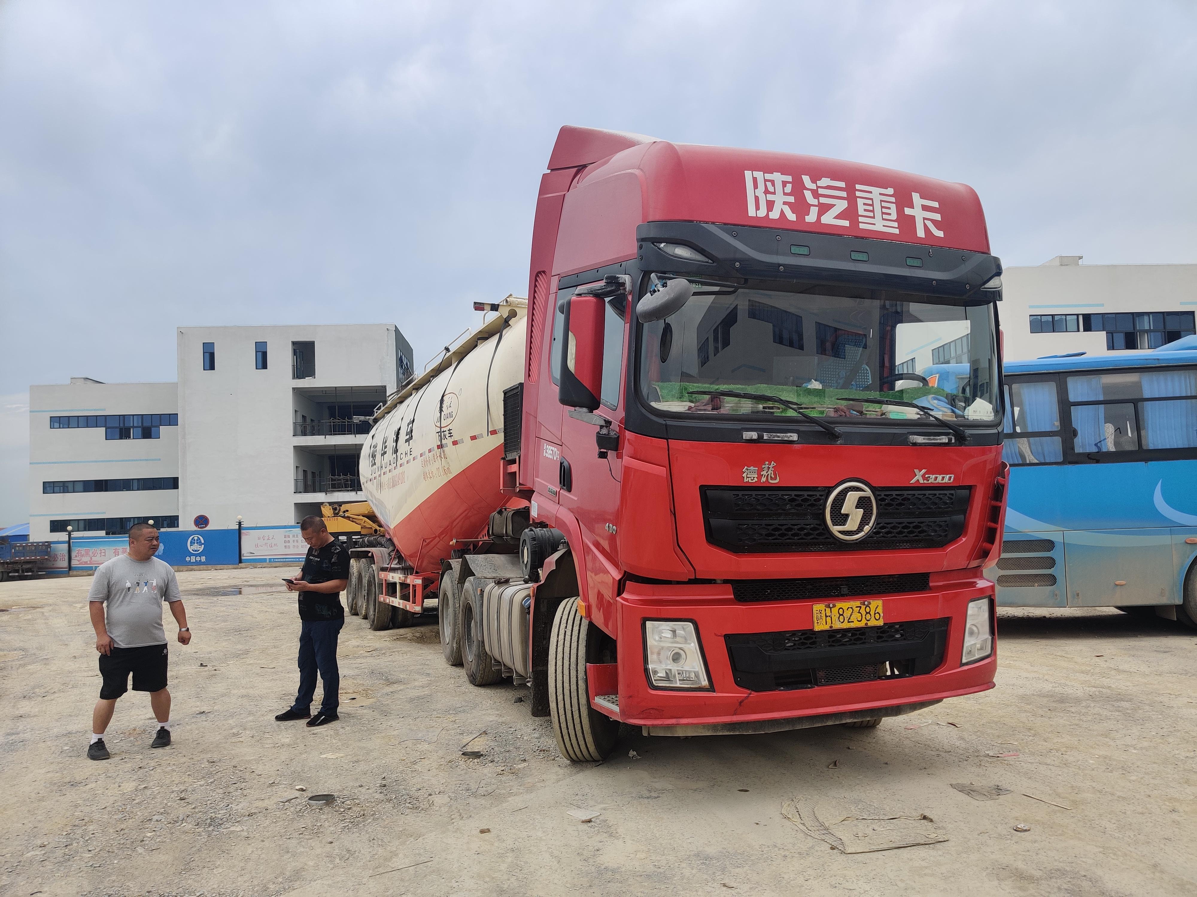 陕汽德龙X3000 牵引车  430匹 2018年06月 6x4
