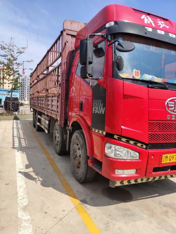 一汽解放J6P重卡 牵引车  320匹 2016年11月 6x4