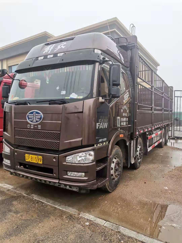 一汽解放J6P重卡 载货车  460匹 2017年12月 8x4