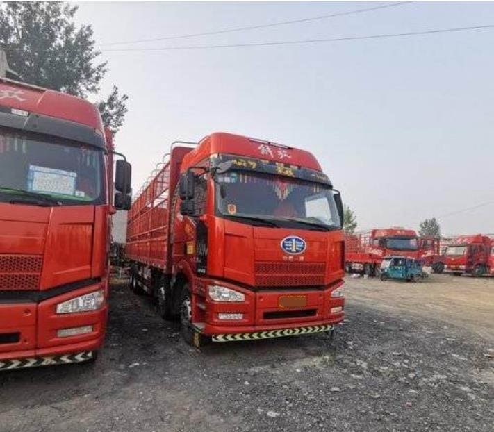 一汽解放J6P重卡 载货车  420匹 2016年10月 8x4