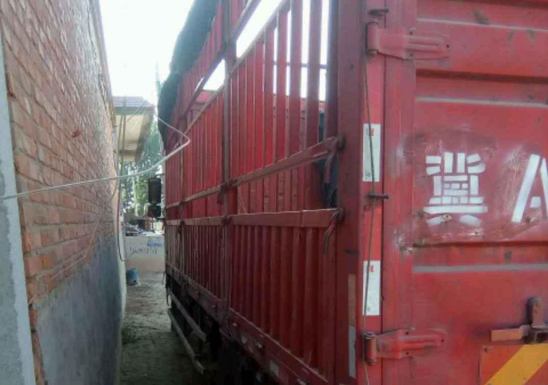 一汽解放j6 载货车 160匹2012年11月 4×2
